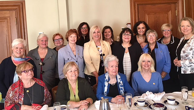 At the 24th Annual General Meeting of the Amicale des anciens parlementaires du Québec (association of former parliamentarians), the members of the Comité des anciennes parlementaires (committee of former women parliamentarians) and the Cercle des femmes parlementaires (circle of women Members of the National Assembly) held a breakfast meeting where they discussed topics related to women's experiences in parliamentary life.
